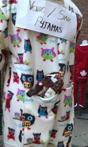 Owlie souvenir store pic 4