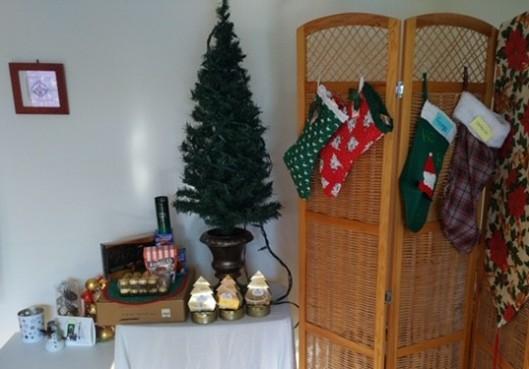 Small Christmas Tree w chocolates and stockings